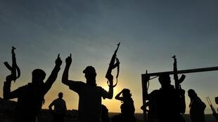 Autoridades francesas dizem que todos os jihadistas trazidos de volta serão julgados.