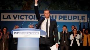 Лидер списка «Национального объединения» 23-летний Жордан Барделла, спикер молодежного отделения партии