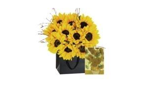 Arranjo de flores inspirado nas obras de Van Gogh.