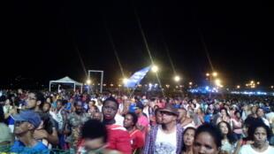 O público do segundo dia do Festival da Baía das Gatas 12/08/16