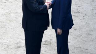 """Kim Jong Un: """"Phải mất đến 11 năm chúng ta mới gặp nhau"""". Thượng đỉnh Liên Triều ngày 27/04/2018 tại Bàn Môn Điếm."""