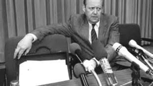 Günter Schabowski qua đời hôm 01/11/2015, thọ 86 tuổi - DR
