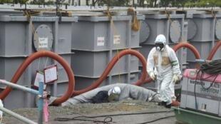 Novas medidas de segurança nuclear entram hoje em vigor no Japão para evitar uma nova catástrofe como a de Fukushima. Usina da TEPCO, 12 de junho de 2013.