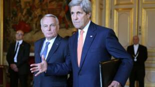 Ayrault e Kerry: situação entre judeus e palestinos piora a cada dia.