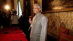 Grameen Bank's Mohammad Yunus in Milan in 2011