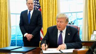 Rais Trump akiria saini moja ya amri zake hivi karibuni