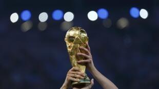 A seleção alemã levou a taça, mas o jornal francês Le Monde diz que o Brasil foi vitorioso na organização da Copa de 2014.