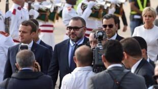 摩洛哥國王穆罕默德六世與到訪的法國總統馬克龍.