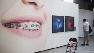 L'exposition «H+» de Matthieu Gafsou aux «Rencontres de la photographie d'Arles» à voir jusqu'au 23 septembre 2018.