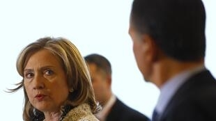 Clinton attends meeting of Contact Group in Libya in Rome