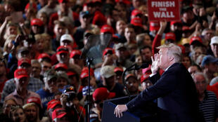 美國總統特朗普11月3日在佛羅里達州全力競選造勢。