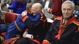 Les représentants du village sami de Girjas n'ont pu cacher leur émotion à l'annonce de la décision, jeudi 23 janvier.