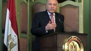 """سامح شکری، وزیر امور خارجه مصر در """"همایش امنیتی خاورمیانه"""" در منامه، بر ادامه قطع روابط دیپلماتیک کشورش با ایران تأکید کرد."""