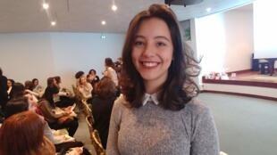 A estudante Gabriela Mesquita chegou chegou há apenas um mês em Paris e sente ansiedade na adaptação