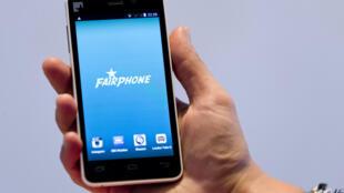 O Fairphone aposta em componentes modulares.