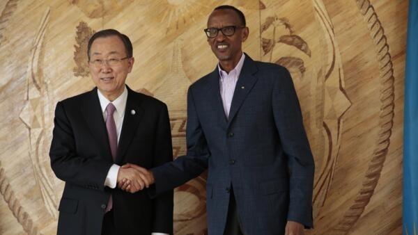 O secretário-geral da ONU Ban Ki Moon está em Kigali para participar das comemorações do genocídio