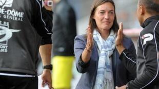 Corinne Diacre, entrenadora del Clermont Foot, este 4 de agosto en Brest, Francia.