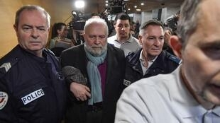 Bernard Preynat, ex-padre, é acusado de centenas de casos de abusos sexuais entre 1976 e 1991