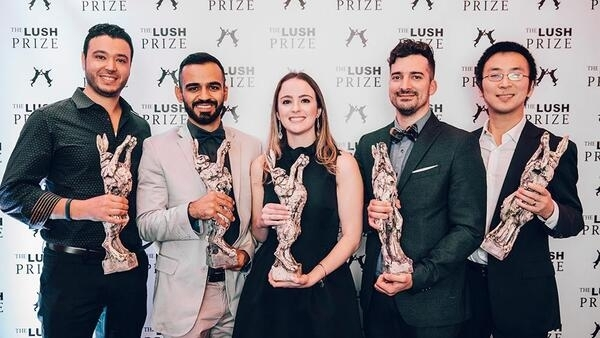 """Carolina Motter Catarino, foi uma das 19 vencedoras da premiação """"Lush Prize"""" no início de novembro."""