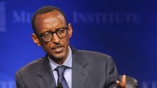Le président rwandais, Paul Kagame, lors d'une table ronde sur les investissements en Afrique au Milken Institute, en Californie, le 1er mai 2013.