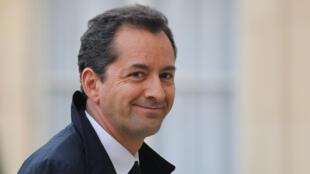 Hakim El Karoui devant l'Elysée, à Paris, le 18 mars 2019.