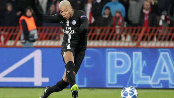 Kylian Mbappé is Ligue 1's leading scorer as the teams head into the Christmas break.