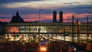 慕尼黑火車站夜景