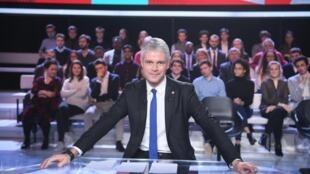 Le président du parti politique français Les Républicains, Laurent Wauquiez lors de sa prestation dans L'Emission politique de France 2, le 25 janvier 2018.