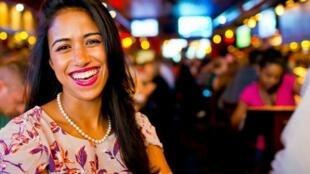 Roberta, que começou como recepcionista de restaurante, conquistou o sonho americano. Hoje é proprietária de dois estabelecimentos em Nova York e emprega 65 pessoas.