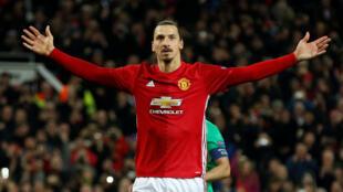 L'attaquant suédois Zlatan Ibrahimovic quitte Manchester United. Il jouera désormais au Los Angeles Galaxy, en MLS.