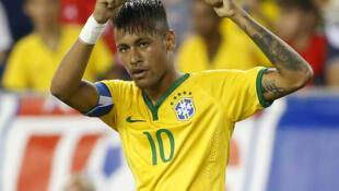 Neymar comemora gol no amistoso do Brasil contra os Estados Unidos, disputado na terça-feira (8), em Boston.