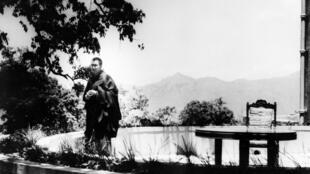 剛抵達印度的達賴喇嘛1959年5月22日Birla House Park