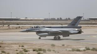 Un avion de chasse F-16 sur le tarmac de la base militaire de Balad, en Irak, le 20 juillet 2015. (Image d'illustration)