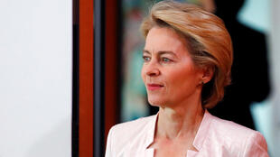 Ursula von der Leyen, ministra de defesa alemã, espera aval dos eurodeputados para presidir a Comissão Europeia sion President, attends the weekly cabinet meeting at the Chancellery in Berlin, Germany, July 3, 2019.