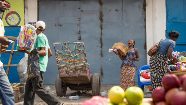 Les portes d'un commerce indien sont fermées, sur le marché de Kinshasa (photo d'illustration).