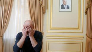 Аркадий Бабченко перед интервью иностранным журналистам, 31 мая 2018.