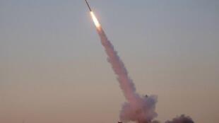 Moja ya roketi ambazo hivi karibuni Saudi Arabia ilidai kuidungua baada ya kurushwa na waasi wa Houthi wa Yemen