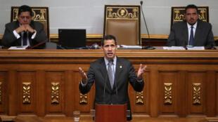 圖為委內瑞拉過渡總統瓜伊多2019年3月6日於議會上。