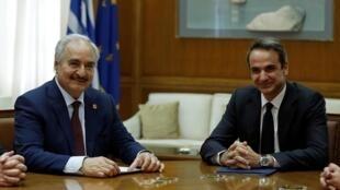 Le maréchal Haftar venu de Libye avec le Premier ministre grec, Kyriakos Mitsotakis, à Athènes, le 17 janvier 2020.
