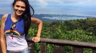 """A brasileira Raynéia Gabrielle Lima, 31, aluna do sexto ano de Medicina na UAM, morreu atingida na noite de segunda-feira (23) por uma """"bala no peito""""."""