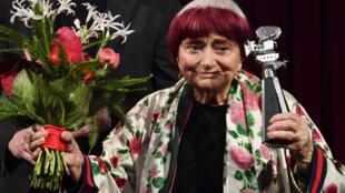 Agnès Varda, cineasta belga radicada na França, faleceu aos 90 anos sexta-feira (29).