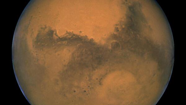 O Planeta Vermelho estará a 92 milhões de km da Terra nesta segunda-feira, 14 de abril de 2014.
