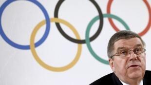 Thomas Bach, presidente do Comitê Olímpico Internacional, durante entrevista coletiva em Lausanne, em 2/03/16.