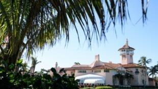 图为美国总统特朗普在佛罗里达私人庄园Mar-a-Lago