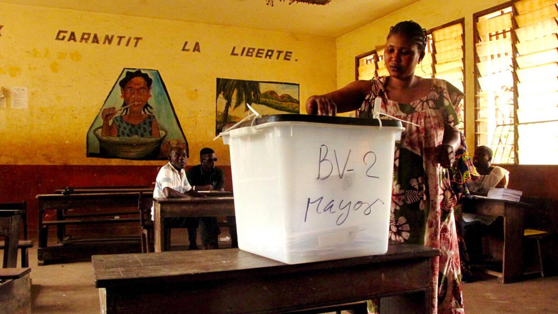Guinée: l'OIF suspend sa participation au processus électoral