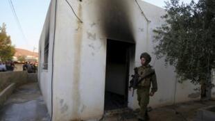 Casa queimada por extremistas judeus em ataque que matou um bebê palestino