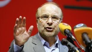 Mohammad Bagher Ghalibaf, candidato conservador a la presidencia de Irán y alcalde de Teherán, pronuncia un discurso de cara a estas elecciones del 21 de febrero.