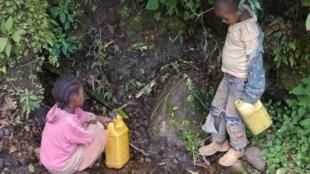 """""""En algunas regiones de Africa la disponibilidad de agua ha disminuido""""."""