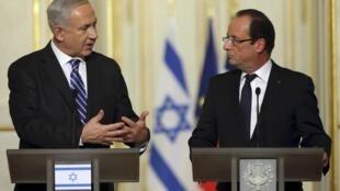 Le Premier ministre israélien Benjamin Netanyahu (g) et le président François Hollande (d), le 31 octobre 2012 à Paris.