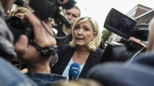 Marine Le Pen à la braderie d'Hénin-Beaumont le 8 septembre 2019.